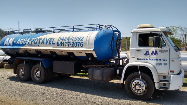 Locação de caminhão pipa para terraplanagem